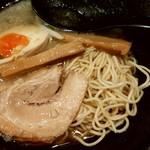 まるちゅう - 麺と具材