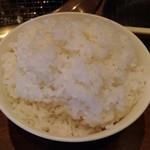 全品380円以下・食べ放題 焼肉勝っちゃん - ご飯、これは多いなぁ(笑)