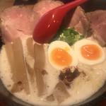 うちのラーメン 我豚 - 料理写真:ド.とんラーメンスペシャル  ¥1100-