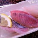 回転寿司 おかべ屋 - 地魚盛り(太刀魚、たかべ、めだい)