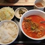 きらく亭 - 牛すじ煮込定食¥820-