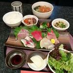 くいもんや縁 - 料理写真:刺身御膳(1080円)