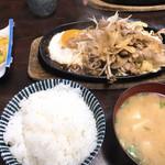 仔馬ドライブイン - 料理写真:焼肉定食