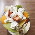 たなか - フルーツパフェ
