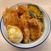 さん天 - 料理写真:鶏たま天丼(490円)