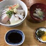 お食事処 海山 - 料理写真:海鮮丼=1080円