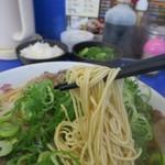 来来亭 - チャーシューメン大盛り、細麺です
