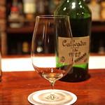 カルバドール - Calvados de 1929 Reglementee Hediard