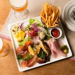 パークサイドカフェ - 前菜の盛り合わせ