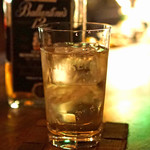 BAR TALISKER - Ballantine's 12 years old のダブルのハイボール