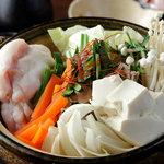 甲子園口 桜 - 安全・安心・鮮度抜群の白ホルモン使用 桜特製ホルモン鍋