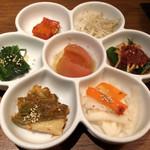 97905249 - 自家製キムチと秋の旬菜ナムル7種盛合せ