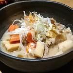 個室 九州料理 弁慶 - とろとろもつ煮込み 450円