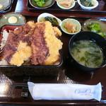 御料理 タイガー - ソースシャモかつ丼
