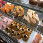 お菓子のアトリエ ハンブルグ - ケーキ達 ( ´θ`)