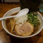 麺屋ダイニング ナナシ - 煮干しらー麺(黒) 800円