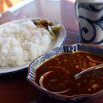 ティールーム 赤いやね - 料理写真:デリーカシミールカレー 1050円