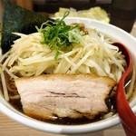 拉麺 大公 - 料理写真:焦がし醤油の麺大盛り+もやし増し