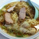 徐州楼 - 2011.10 ワンタン麺(650円)