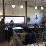 赤い屋根のカフェ テイクワン -