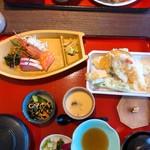 小魚 阿も珍 - 天ぷら刺し身定食(1598円税込み)