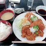 あなたの街の定食屋さん - おろしビックチキンカツ定食(880円)
