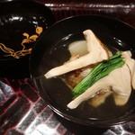 97939322 - 松茸と鰆のお椀物