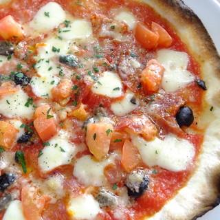 ピザもパスタも!一度に楽しめるお得な≪SAKURAランチ≫。