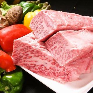 黒毛和牛炭火焼肉!全品国産和牛肉を使用♪