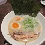 京都拉麺 麺屋 愛都 - 愛都味玉ラーメン850円
