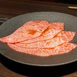 焼肉うしごろ - 大判サーロインのヤンニョムすき焼き