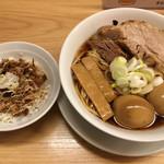 97944803 - 基本らーめん (´∀`)/ 煮玉子2 厚厚 豚丼