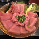 97945602 - 生本マグロと中落ち丼 ¥2,300 (税別)