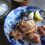 cafe&shop kaguya  - 鶏のからあげ定食(みそ汁とご飯付き)