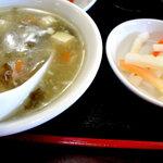 Shuukouen - スープとお漬物です