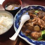 97982382 - ふーみん(鶏肉と玉こんにゃくのピリ辛炒め定食)