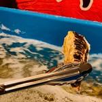 牡蛎処 桝政 - 食べ放題コースは生け簀の中の牡蛎を自由に取っていただけます
