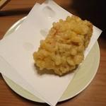 udonsakabakagawaichifuku - 鶏天180円。見た目ちょっとかたそうだが、まあまあ柔らかく普通に美味い