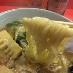木蘭 - 現在は手打ちではないそうです 野菜の旨味のきいたスープとの相性は最高のご馳走です