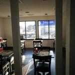 ほりかわ珈琲店 - カウンターからホールを眺めた感じです