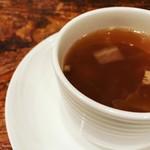 トラットリアあるふぁ - 温かいスープ付き。