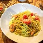 ムロマチカフェハチ - パスタランチ (フレッシュトマトとバジルソースのスパゲティーニ)