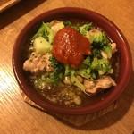 97998112 - 鶏ハラミとブロッコリーのアヒージョ ~梅~