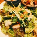 玄米カフェ 実身美  - 自家製酵素ドレッシングのサラダ