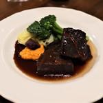 ヴァンセット ケイ - 道産牛ホホ肉の赤ワイン煮
