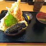 壱 - 料理写真:天丼・海老天は中が半生でした(_ _。)・・・