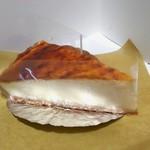 ミレジム - ベイクドチーズケーキ さっぱりと酸味が効いている