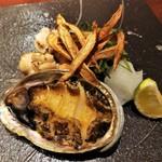 98012593 - 焼物 吉次の塩焼き 焼き白子と焼き鮑、牛蒡素揚げ ※焼き鮑は焼き車海老の代替料理