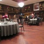 リストランテ カノビアーノ - 30人程の宴会だったんで宴会場の一つを貸し切っての忘年会になりました。