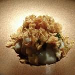 TTOAHISU - *鰆自体の味わいもいいですけれど、柿のフレークの食感が良いこと。 菊芋のねっとりしたソースがよく合い、美味しい。